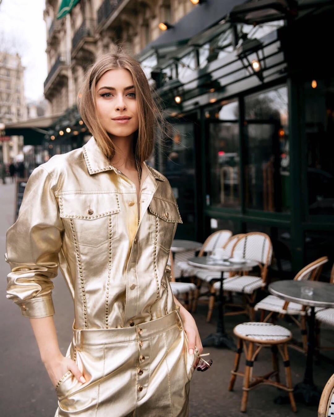 Внучка Софії Ротару в наряді від українського бренду прогулялася по Парижу