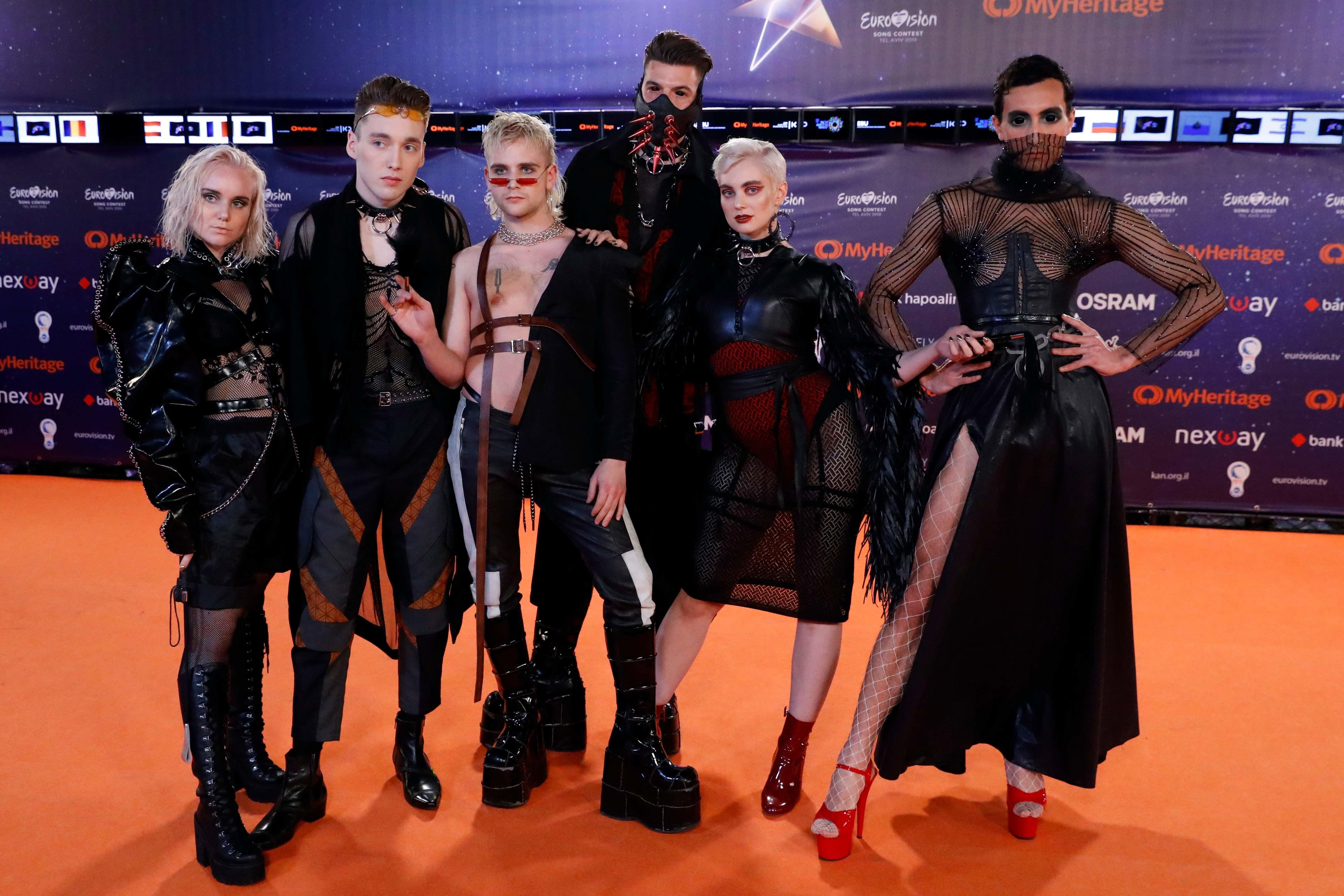 """""""Євробачення 2019"""": яскраві вбрання на церемонії відкриття"""