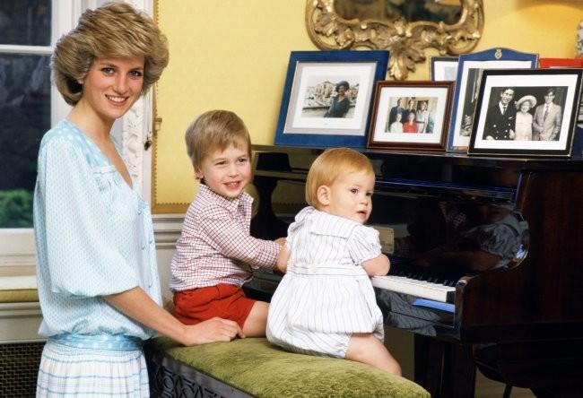 Постер Памели Андерсон і вишневий торт: несподівані факти про принца Вільяма
