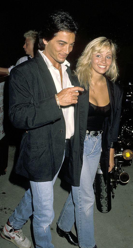 Актор Скотт Байо і Памела Андерсон (1990 рік)
