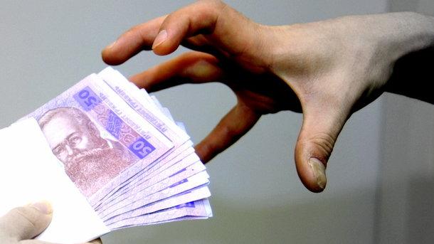 У Херсонській області чиновники МВС дистанційно видавали кримчанам фіктивні документи