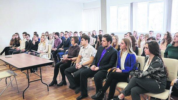 Цікавий проект: в Харкові відкрили спецшколу для помічників депутатів