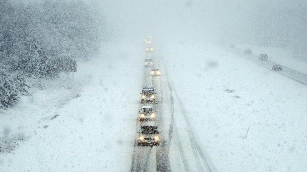 Через погодні умови вДніпропетровській області закрили чотири автомагістралі