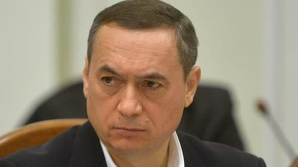 Взяти на поруки Мартиненко погодилися 15 нардепів і чотири міністри