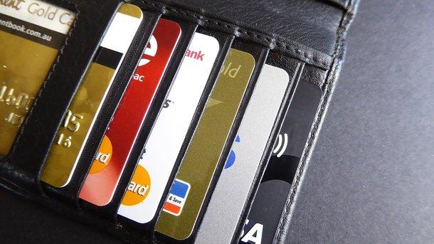 В Одесі працівник банку виводив гроші до ОРДЛО