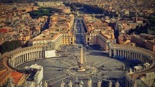 Ватикан невикликав посла і некритикував «релігійні законопроекти»— Беца