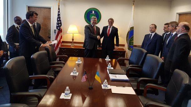 Порошенко зустрівся з міністром енергетики США