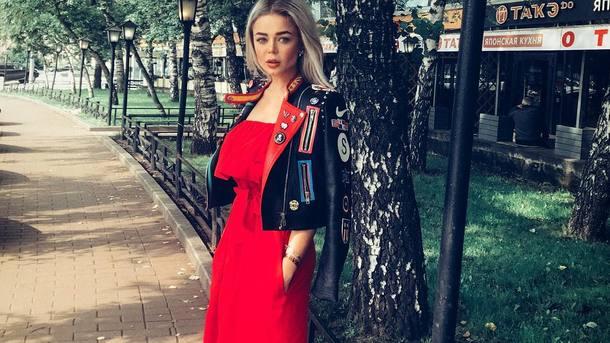 Селфі з Меладзе і сміливе декольте: Аліна Гросу відзначилася на вечірці Лепса