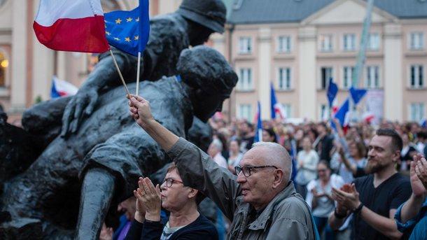 Сенат Польщі схвалив скандальний законопроект про судову реформу