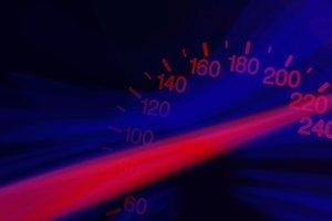 Кабмін хоче знизити максимальну швидкість руху у містах