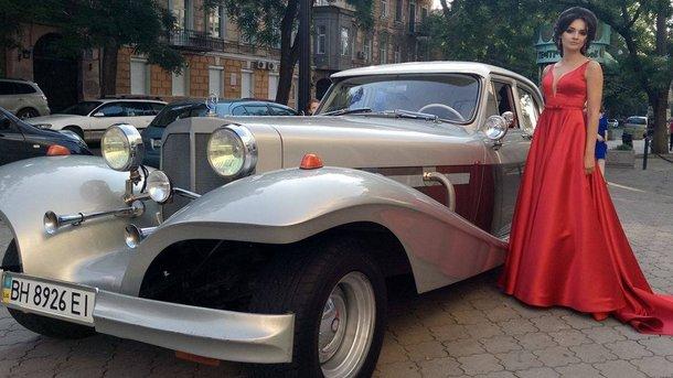 На дорогах України все частіше з'являються раритетні автомобілі