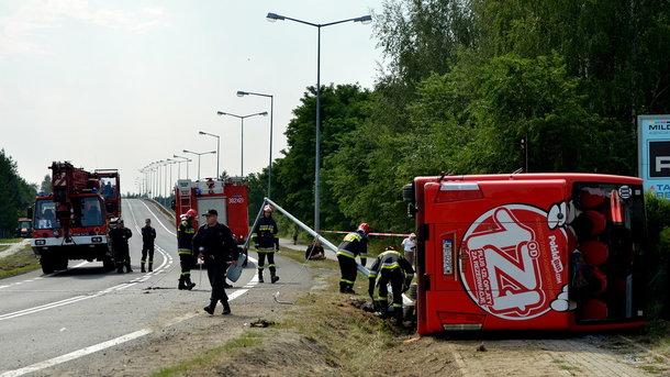 У Польщі перекинувся автобус: поранені 28 осіб, сім - у важкому стані