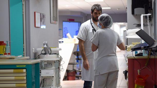 """<p style=""""text-align: justify;"""">Лікарі комунальних лікарень самі домовлятимуться з керівництвом про свою зарплату. Фото: архів</p>"""