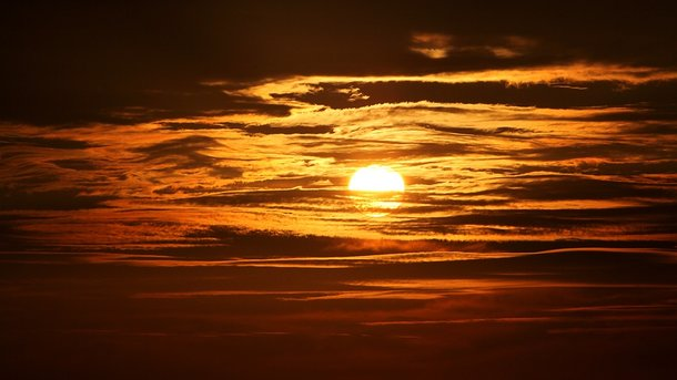 Вчені попередили про радіаційний шторм через спалахи на Сонці