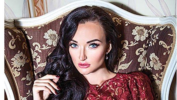 espreso.tv Вибух авто в центрі Києва  ЗМІ показали фото потерпілої моделі  Dior a6002a68e803d