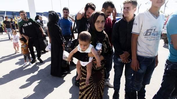 Біля узбережжя Кіпру врятували сотні мігрантів від корабельної аварії і  торговця людьми (3.51 32) 979db39d411a0
