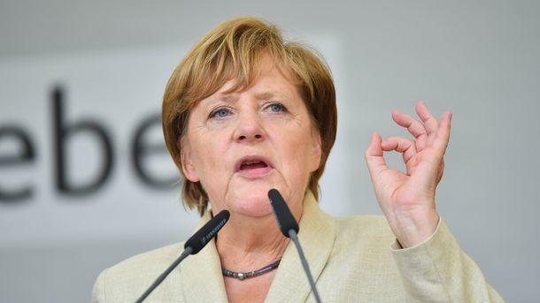 Меркель оцінила «миротворчість» Путіна наДонбасі
