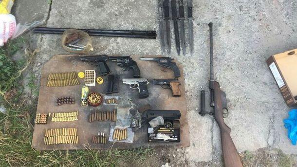 СБУ викрила угруповання торговців зброєю, доякої входив громадянинРФ