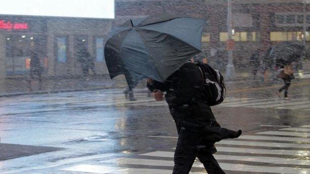 Рівень стихійного явища: наУкраїну насувається сильний шторм