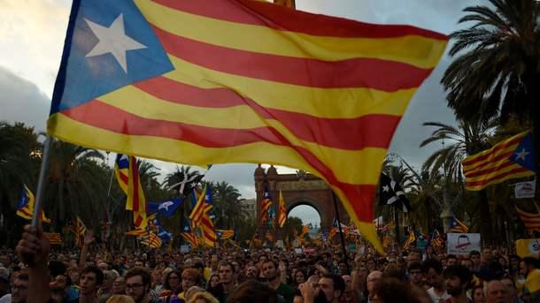 Виступ в парламенті Каталонії глави місцевого уряду Карлеса Пучдемона b1578150fe208