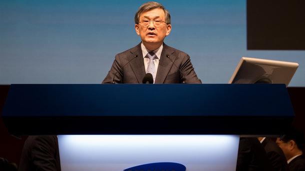 Через корупційний скандал в Samsung звільнився генеральний директор