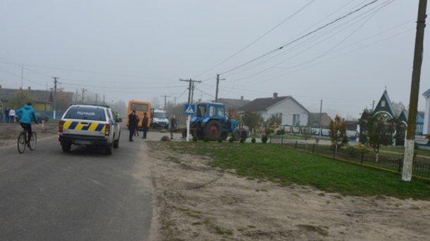 Під колесами трактора загинула 6-літня дівчинка наВолині