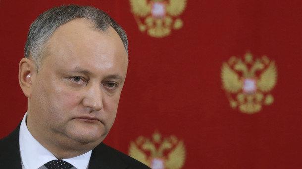 Додона позбавили права призначати міністра оборони