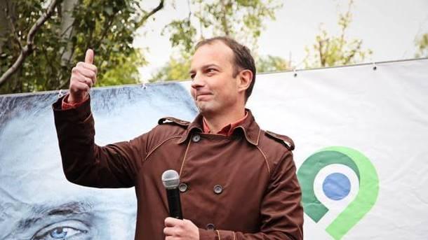 Нардеп Соболєв побив людину під Радою: опубліковано відео