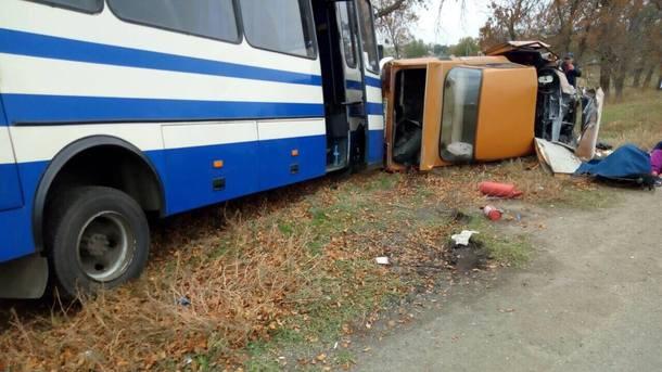НаМиколаївщині автобус «Херсон-Київ» зіштовхнувся злегковиком. Є загибла і постраждалі