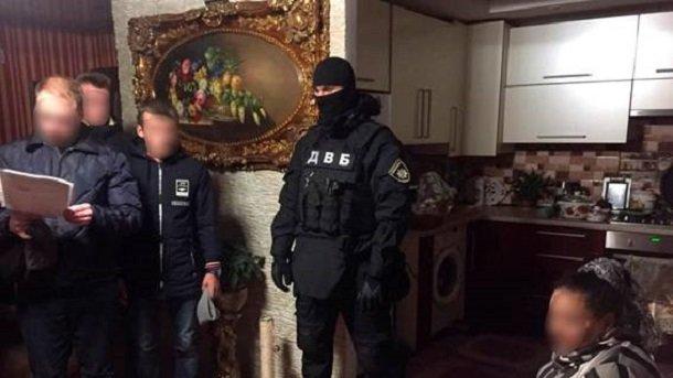 Екс-міліціонер організував прибутковий наркобізнес уЖитомирі