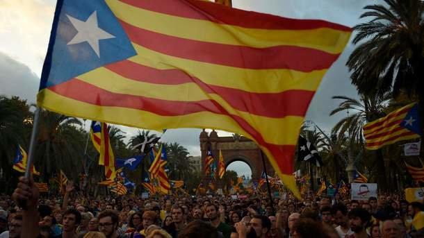 Прем'єр-міністр Іспанії закликав компанії Каталонії невиводити бізнес зрегіону