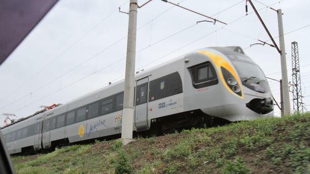ДТП з Інтерсіті: пасажирів довезли доПеремишля автобусами