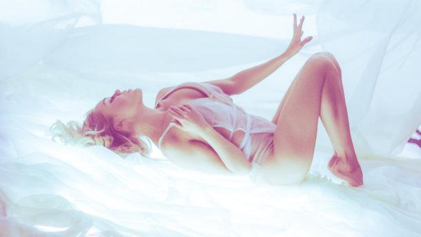Ніжно і сексуально: Alyosha презентувала кліп на пісню
