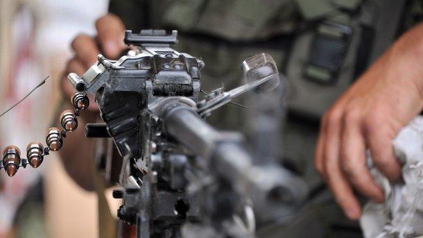 На Донбасі бойовик розстріляв жінку