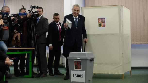 Проросійський кандидат Земан лідирує на виборах президента Чехії