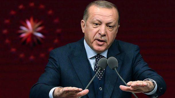 Туреччина перекинула військову техніку на кордон з Сирією