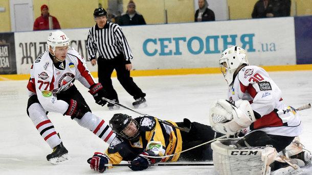 Стали відомі кращі хокеїсти місяця в чемпіонаті України