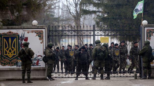 Генерал Коваль: військові РФ під загрозою вбивства гнали перед собою жінок і дітей в Криму