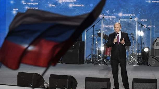 Я вас всіх міцно-міцно обіймаю: Путін звернувся до кримчан