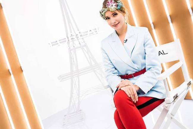 Катерина взула червоні штани кльош від українського бренду MustHave fb7272457fdd7