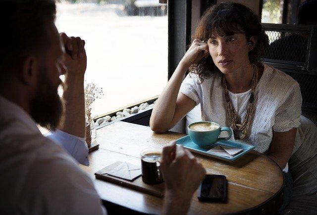 ТОП-5 жіночих фраз, які руйнують стосунки