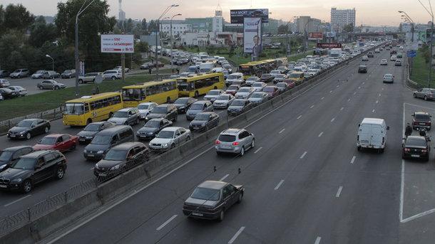 Порошенко змінив правила ввезення авто до України