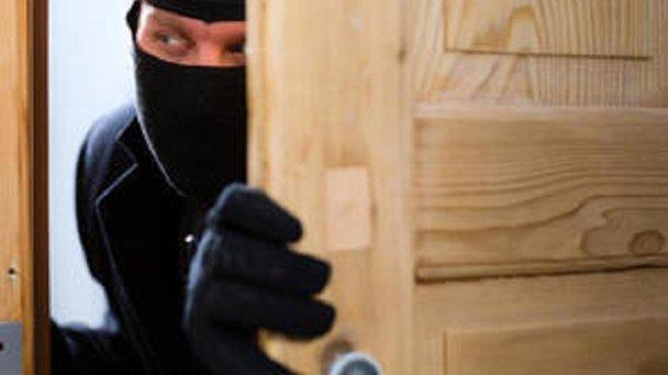 Зібралися у відпустку - подбайте про квартиру: як завадити злодіям