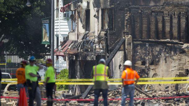 Вибух газу в США вбив пожежного та зніс кілька будівель