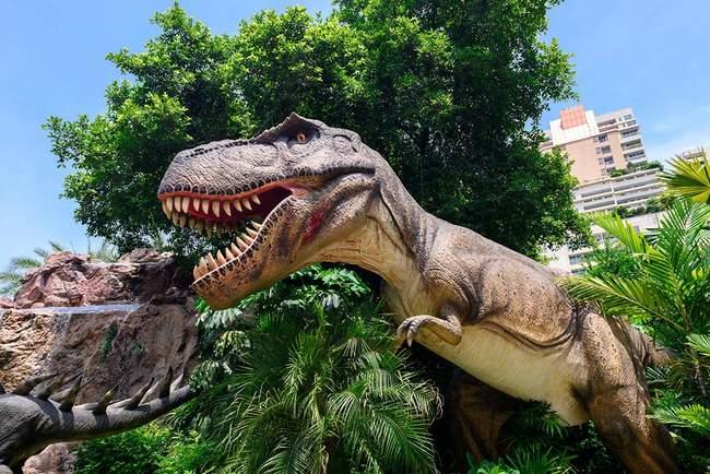 """<p style=""""text-align: justify;"""">Знайдений динозавр виявився розміром із слона. Фото: klook.com</p>"""
