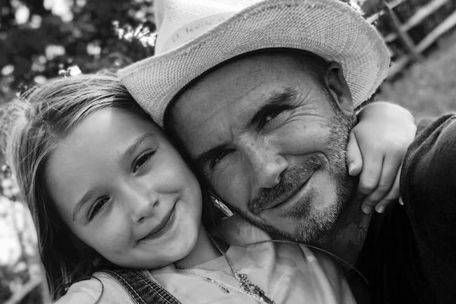 Девід Бекхем вперше обрізав волосся семирічної доньки: веселе фото