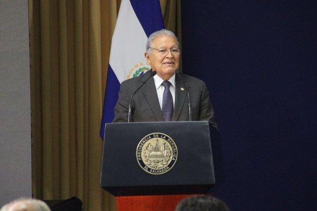 Лідер Сальвадора Сальвадор Санчес і екс - президент Гондурасу Мануель  Селайя засудили