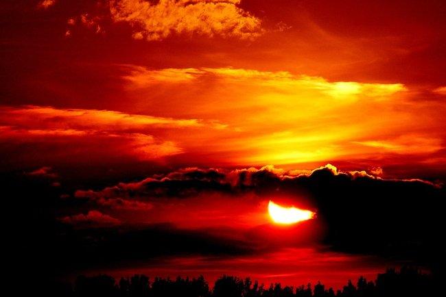 Гряде сонячне затемнення і зорепад: що ні в якому разі не можна робити