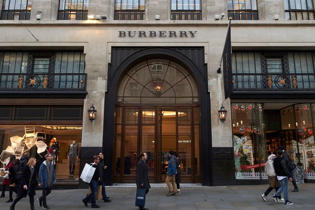 "<p style=""text-align: justify;"">Магазин Burberry. Фото: AFP</p>"