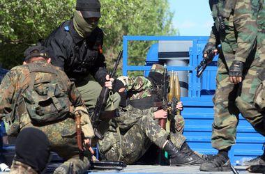 Терористи намагаються вирватися зі Слов'янська, прикриваючись дітьми - АТО